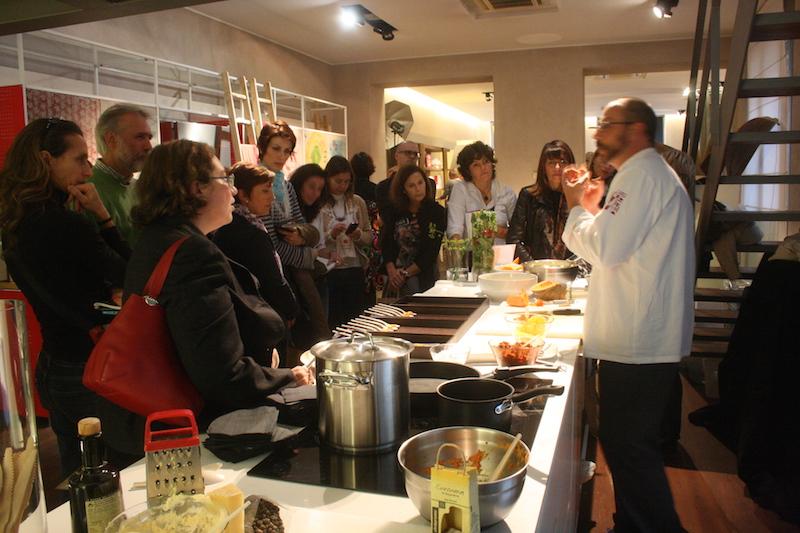 In Cucina con  Fiori e Piante d' Autunno